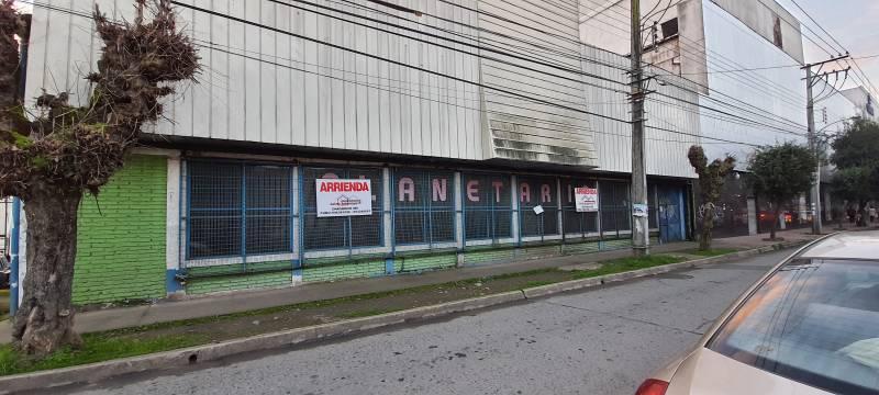 ARRIENDA EXCELENTE LOCAL COMERCIAL PLENO CENTRO DE LINARES