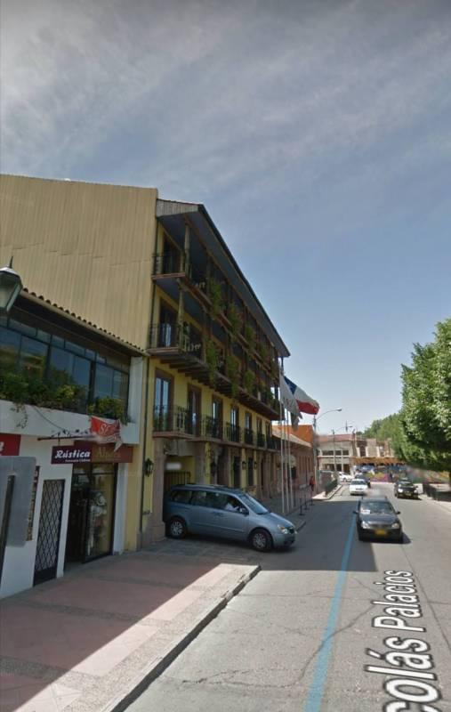Local comercial ubicado en plaza de armas Santa Cruz