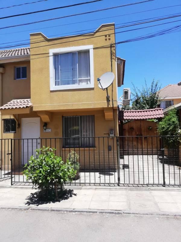 Hermosa casa, sector residencial