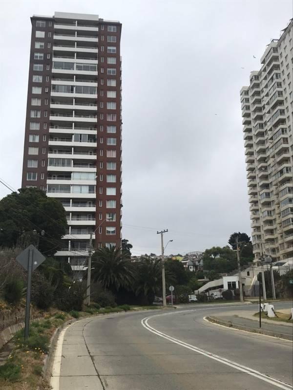 DEPARTAMENTO FULL AMOBLADO CON BELLA VISTA AL MAR PISO 7