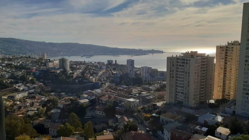 Se vende departamento, con bella vista a la bahía C°Placeres