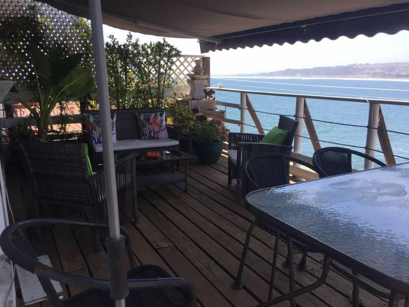 Se vende amplio depto 3D2B, gran vista a la bahía en Concón