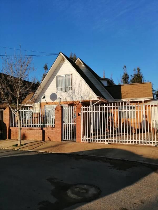 En venta casa en Los Pinos, Quilpué