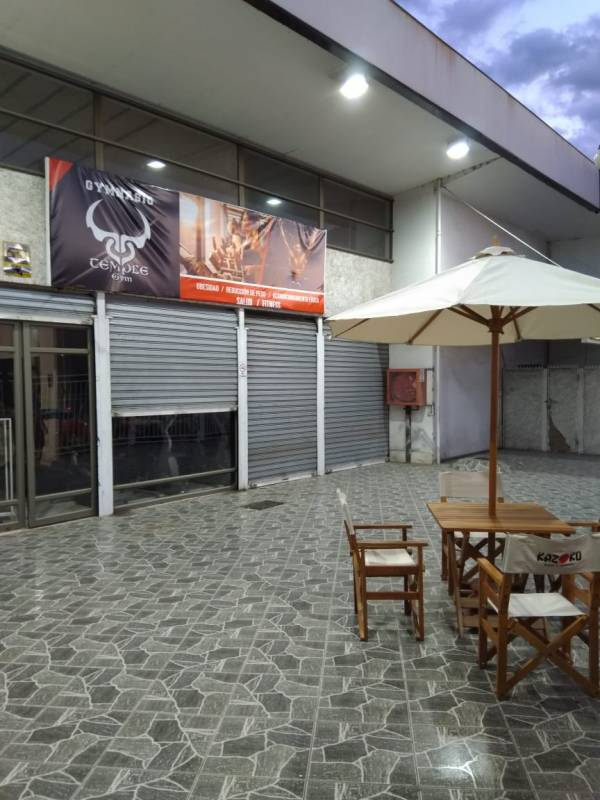 Local Comercial en strip center, Peñaflor