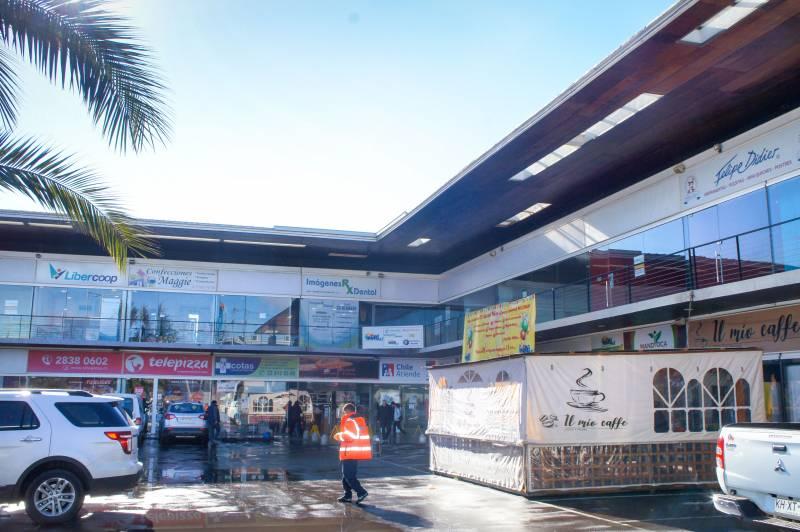 Locales comerciales en arriendo en strip center Talagante