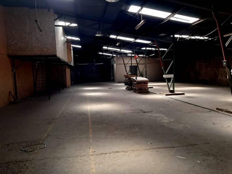 Galpones- Bodega industrial - Arriendo