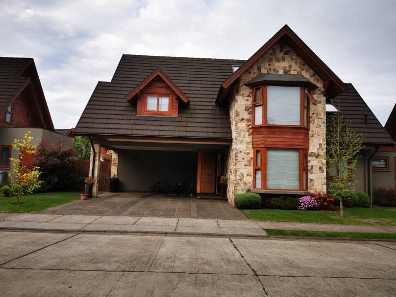 Vendemos Hermosa casa en condominio Temuco