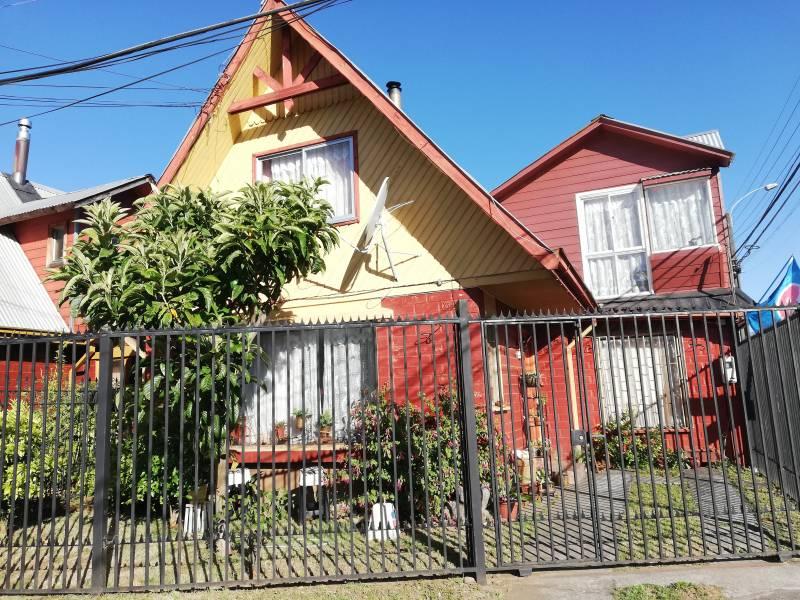 Casa esquina con local comercial Parque Alcántara