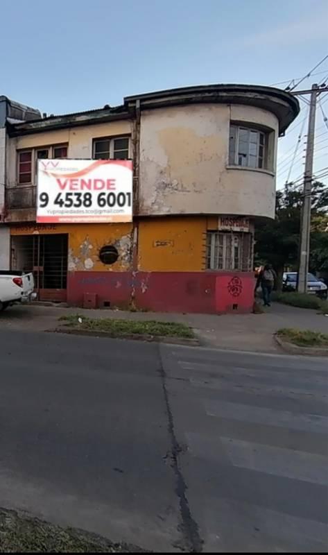 Casa esquina Comercial en Remodelacion