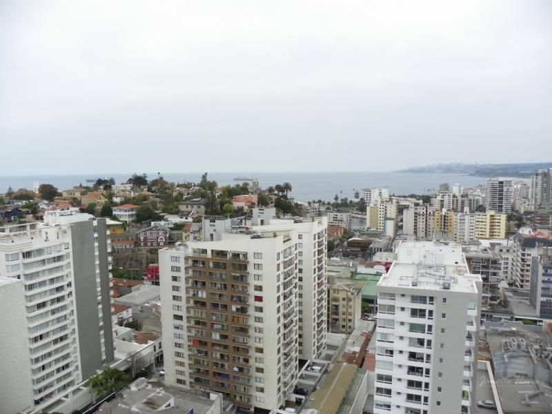 OPORTUNIDAD, CENTRAL CON BODEGA Y ESTACIONAMIENTO EN VIÑA DE