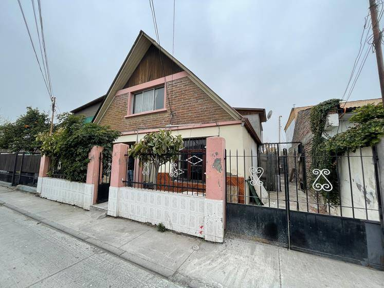 Casa en Venta, buen estado, segundo piso no terminado