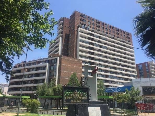 SE VENDE MODERNO DEPTO, A PASOS METRO CHILE ESPAÑA