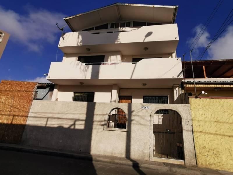 SE ARRIENDA RESIDENCIAL, CORNELIO VERNAZA 01082