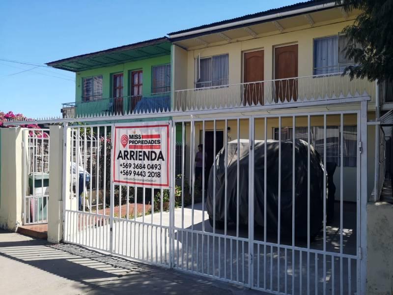 SE ARRIENDA CASA 4D/2B/2E/1B, SECTOR GRAN VÍA