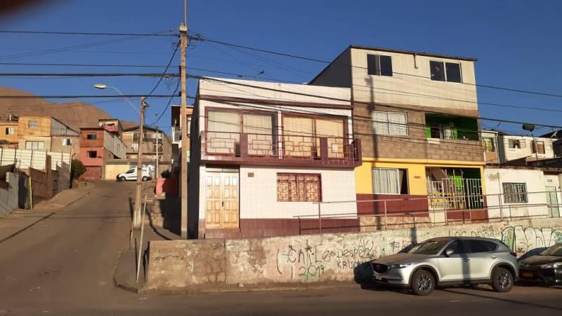 SE ARRIENDA CASA, AV ANDRÉS SABELLA #2194