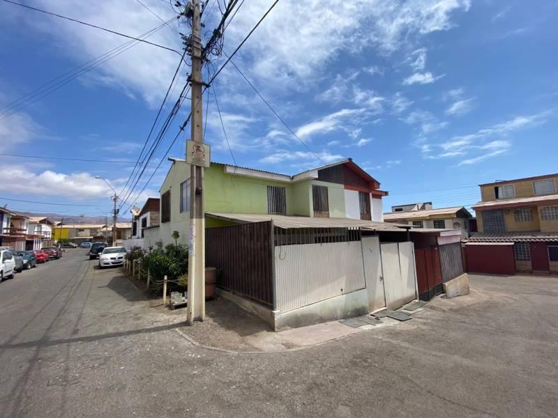 SE VENDE CASA, DANILO MORENO ACEVEDO, #148, COSTA AZUL