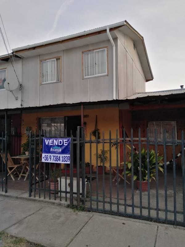 CASA EN VENTA - SARMIENTO, CURICÓ