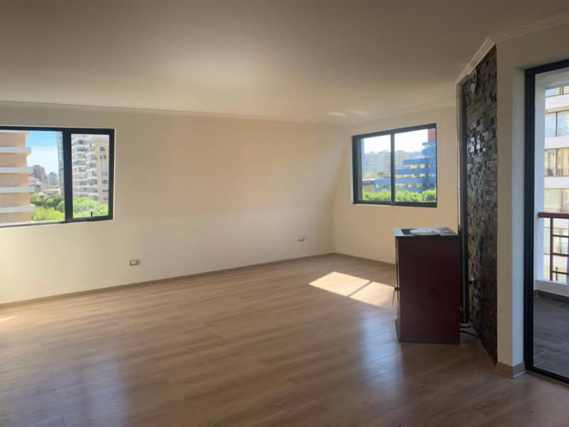 VENDO CONFORTABLE DEPARTAMENTO, 3D, 3B, 2E, 1B.-