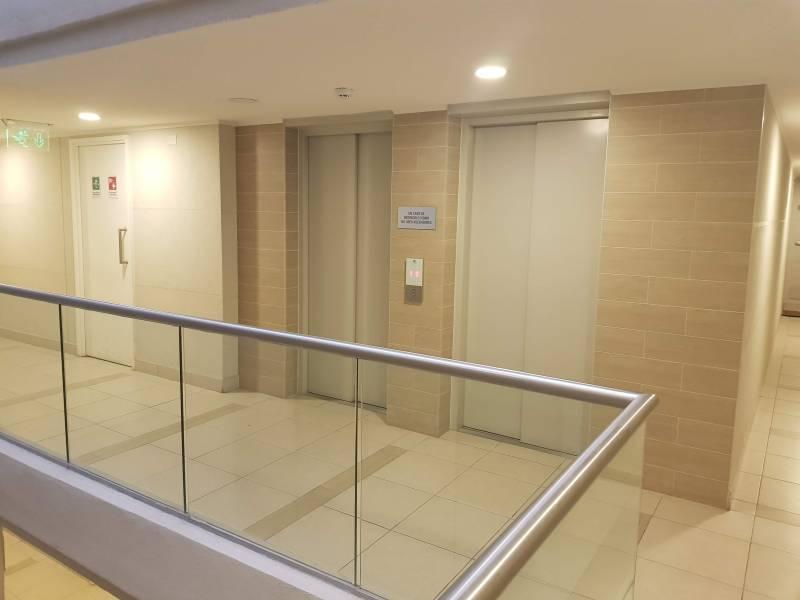 Moderno Depto.2D2B y estacionamiento en Centro Santiago