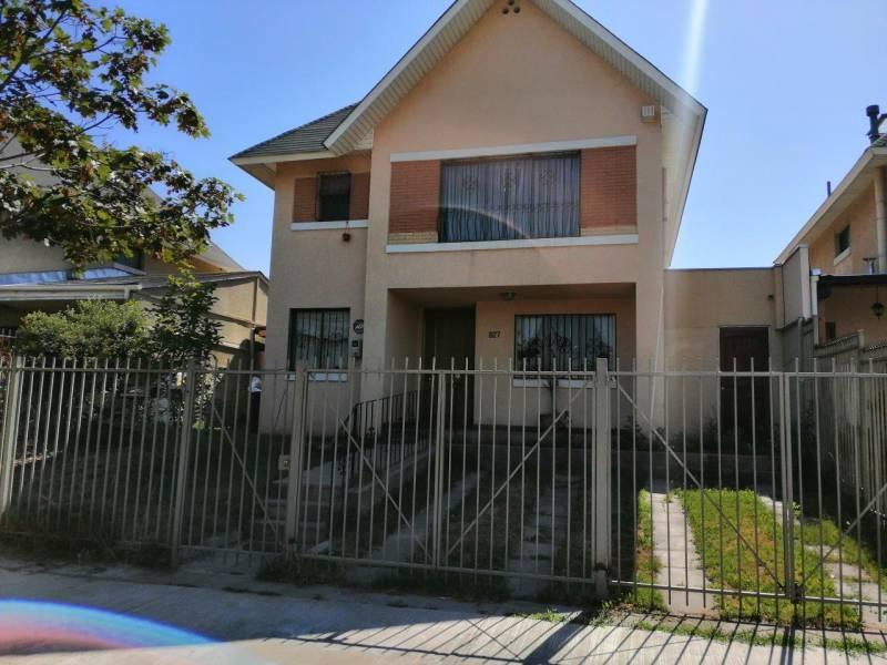Se vende Amplia casa en Condominio Monte Andino