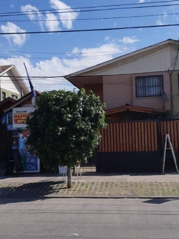 VENDO POR MOTIVO DE VIAJE CASA 110 MTS2 CONSTRUIDOS AMOBLADA