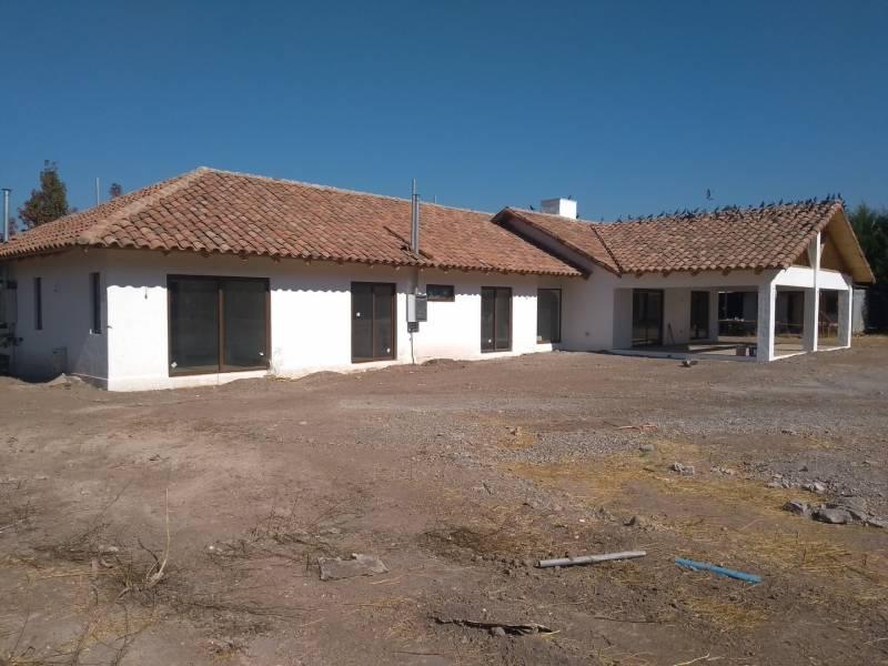 ARRIENDO CASA CON PARCELA DE 240 MTS2 CONSTRUIDOS