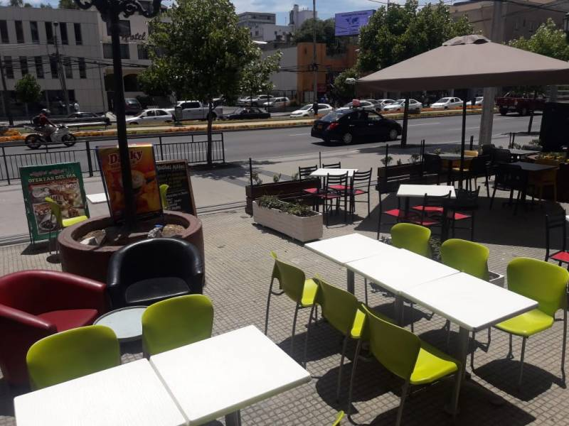 EXCELENTE LOCAL CON AMPLIA TERRAZA IDEAL CAFE O COMIDAS