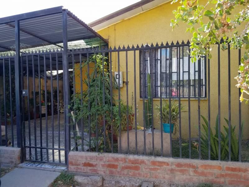 ( 101 )  Vendo cómoda casa ubicada en Putaendo