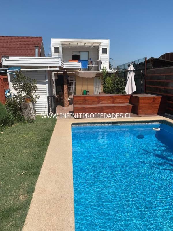 Casas con piscina , quincho y excelente conectividad