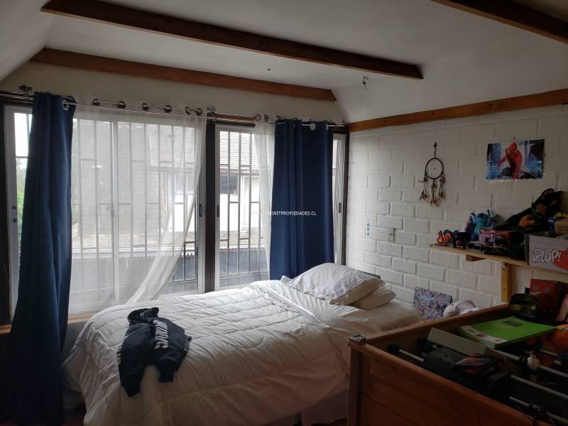 Casa de 2 pisos con / 4D 2B / 260 m2 terreno  y 147 m2 const
