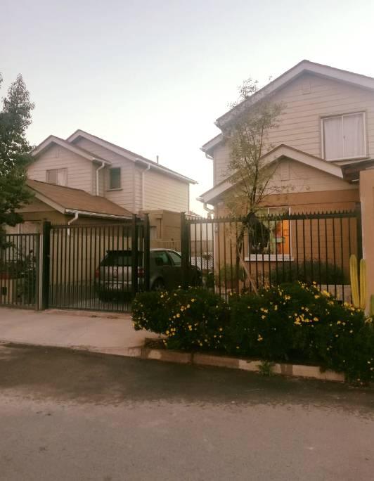 HERMOSA CASA CUMBRES DE BUIN