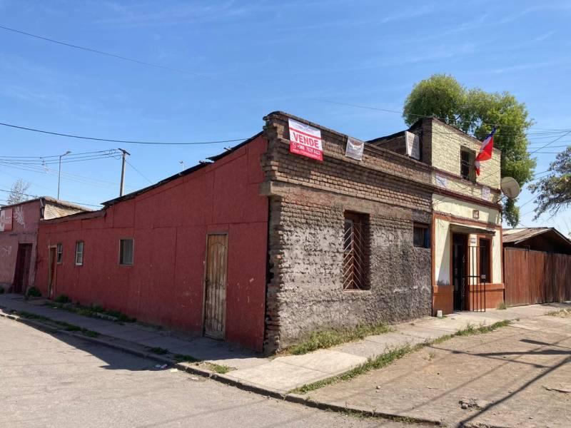Casa en San Joaquín/ Calle Lira