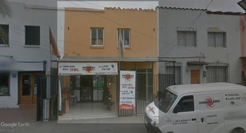 Casa con local comercial 142 m2 por calle Balmaceda
