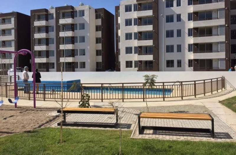 Depto.2º piso,  3 Dor. / 1 1/2 Baño, Sup. 45m2, La Serena