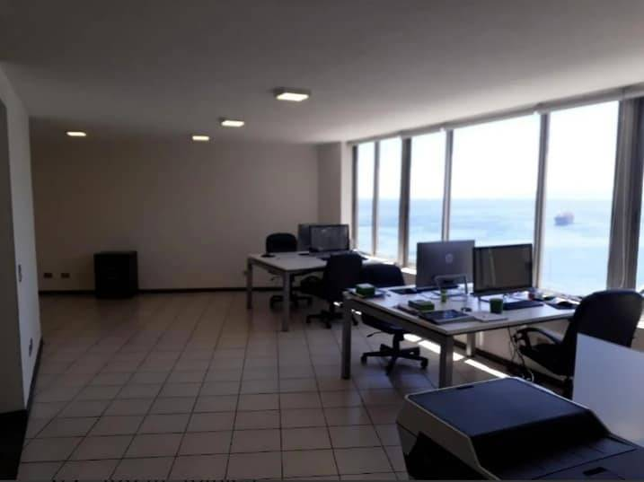 FYC VENDE OFICINA FRENTE AL MAR EN VAPLARAÍSO