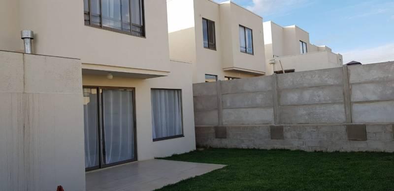 F y C Arrienda Hermosa Casa en Condominio de Curauma