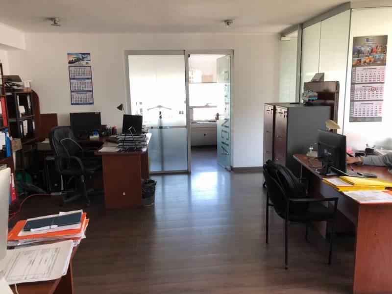ARRIENDO DE AMPLIA OFICINA EN PEDRO DE VALDIVIA, PROVIDENCIA
