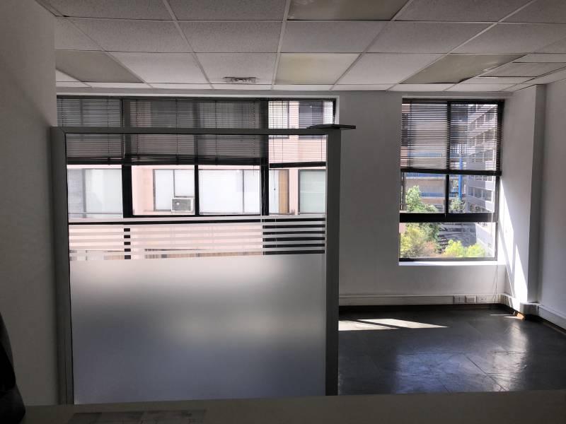 OFICINA 318 m2 EL BOSQUE NORTE, opcional 5 estacionamientos