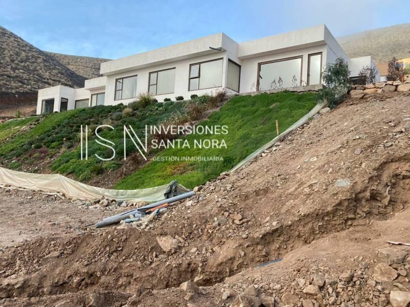 Exclusiva parcela en Cerro Grande, condominio Encomenderos.