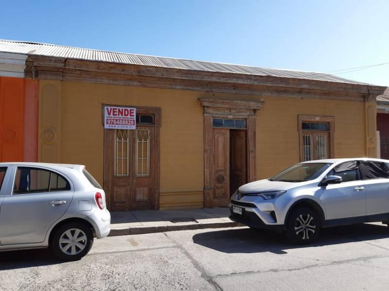 GRAN CASA ANTIGUA CENTRO DE VICUÑA