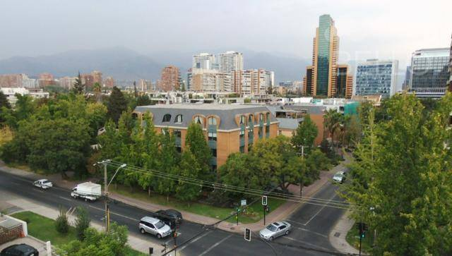 ARRIENDO OFICINAS 231M2 7P/4B LUIS CARRERA
