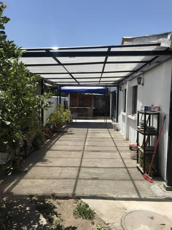 Venta de Casa En Macul,  4 dormitorios y 2 baños