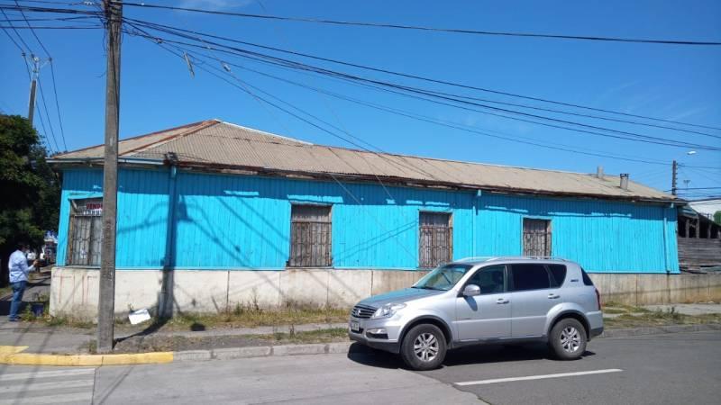 VENDO PROPIEDAD CENTRICA DE CORONEL. CON GRAN POTENCIAL.