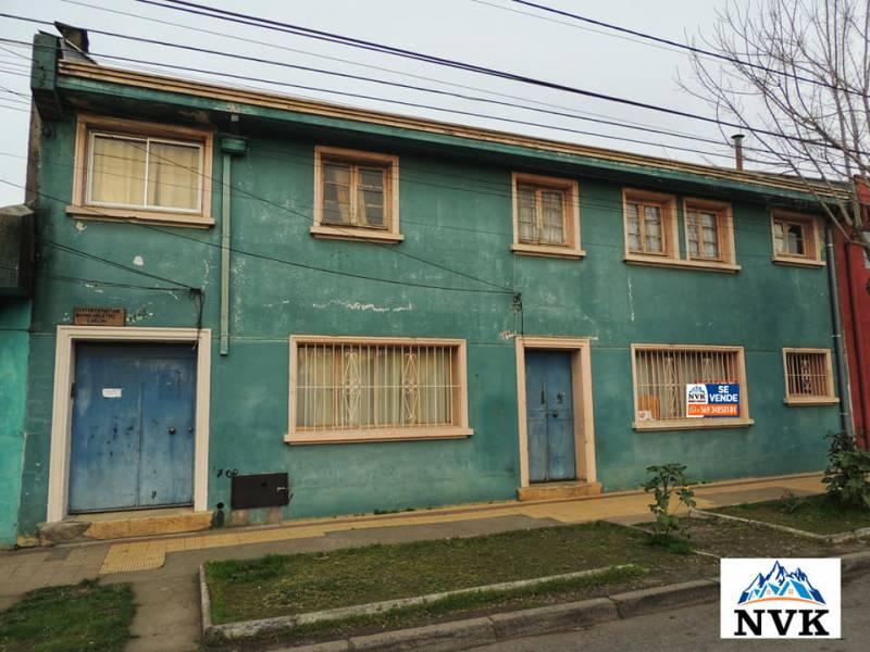 AMPLIA CASA DE 2 PISOS EN CENTRO DE CHILLAN