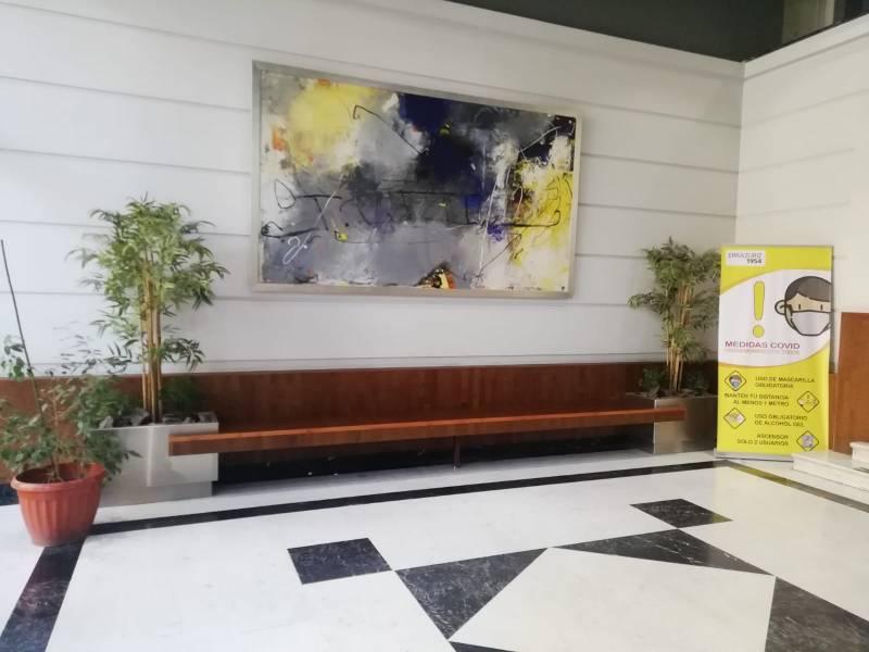 Amplia oficina Metro P. de Valdivia