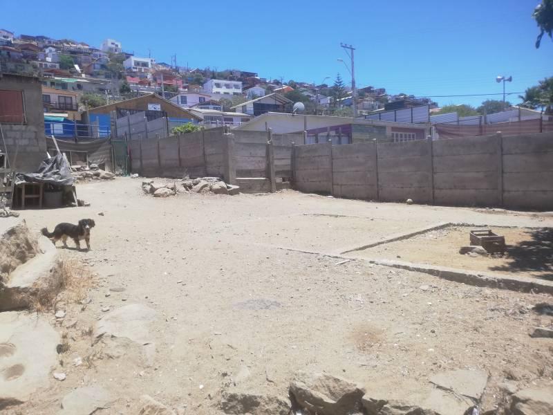 TERRENO 650 METROS CUADRADOS EN EL CENTRO DE GUANAQUEROS