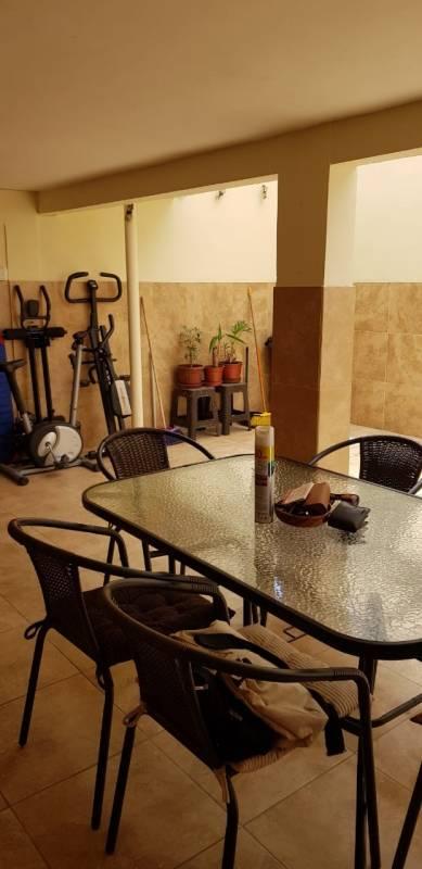 Venta casa esquina de tres pisos Arica