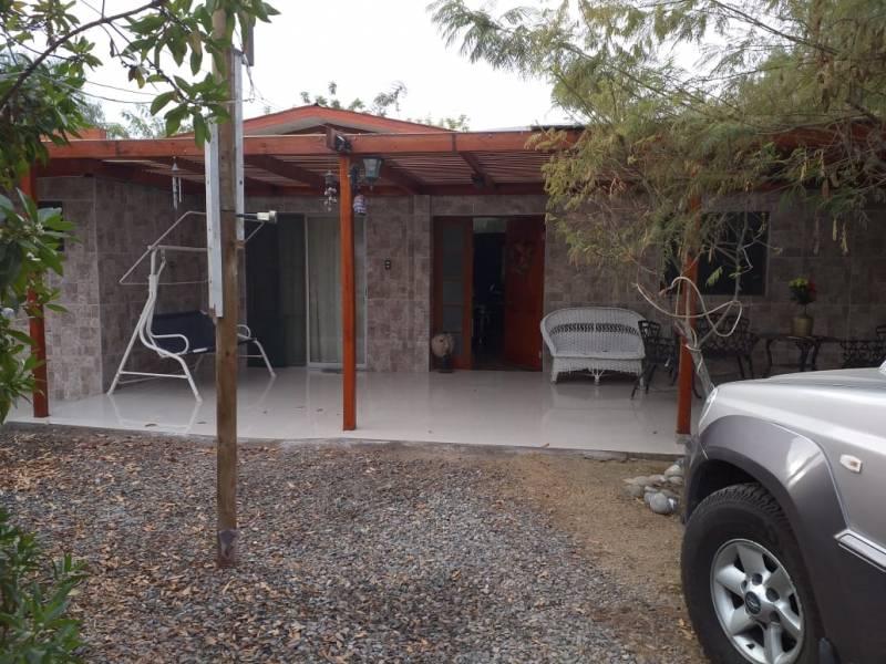 Arriendo  parcela 5000 m2 con casa de 250 m2 en Valle Lluta