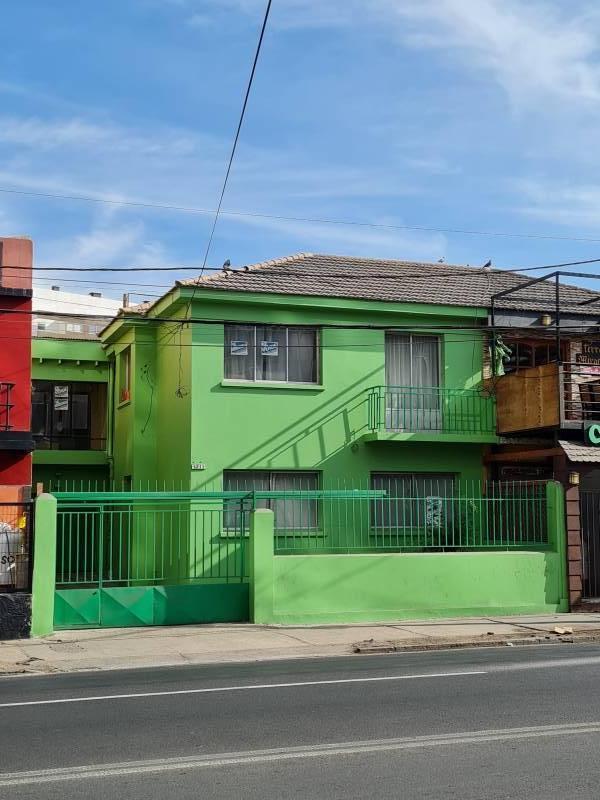 Amplia casa Av Brasil Oficinas