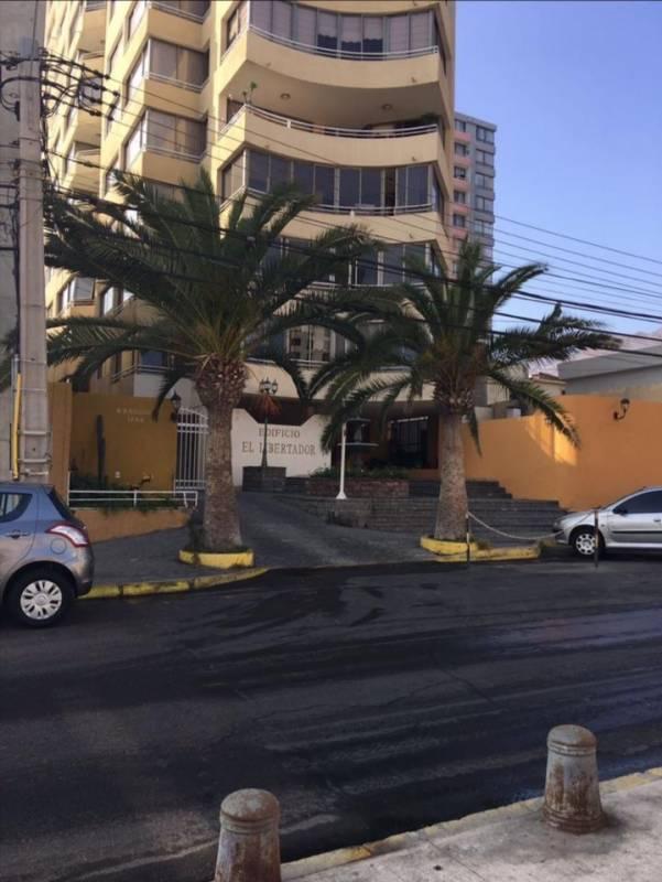 VENTA DPTO AMPLIO AV BRASIL 3 DORM